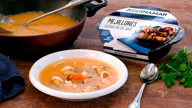 Fish soup with squid and mussels