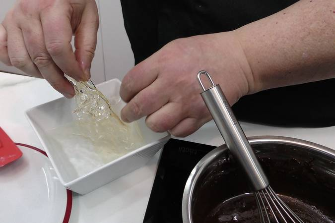 Hydrate the gelatin and add it to the chocolate