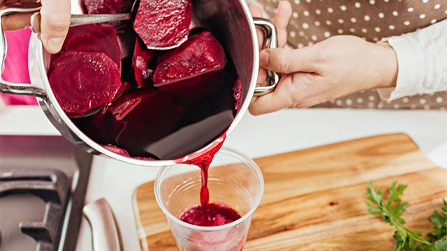 How to make a natural beet coloring
