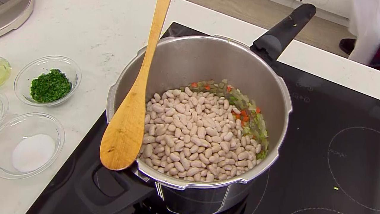 White beans with peppers