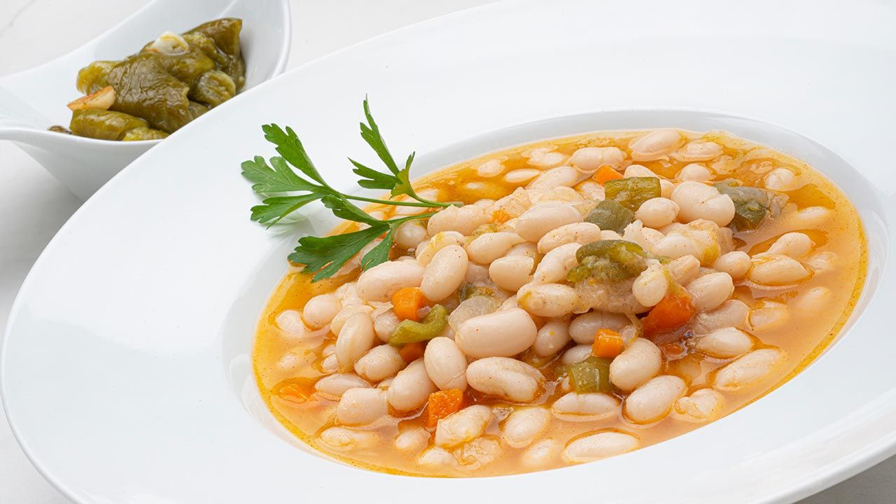White beans with peppers - Recipe by Carlos Arginiano in Open Kitchen - Hogarmania