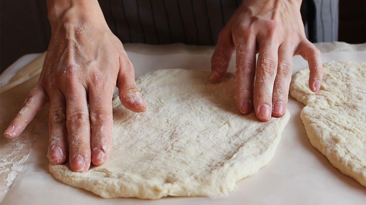 How to make bread with Khachapuri cheese - shaping the dough