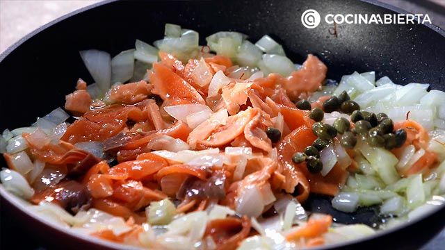 Step 2 of the recipe for salmon rice
