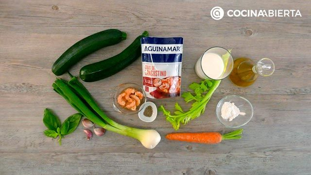 Ingredients in the recipe for zucchini cannelloni stuffed with shrimp and vegetables