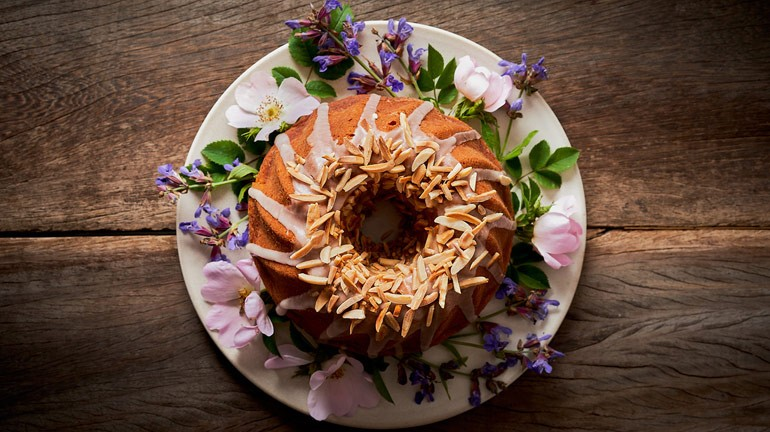 Try this delicious saffron cake - Love Cooking NEFF