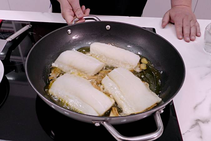 Cooking cod at low temperature