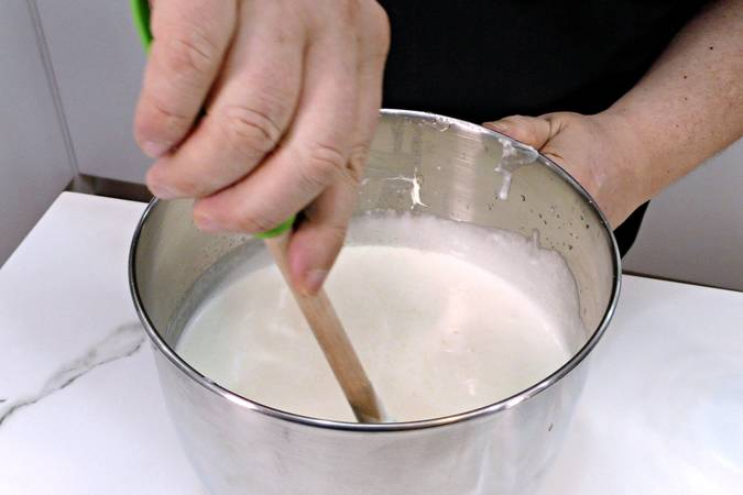 Mix the cream with the other ingredients