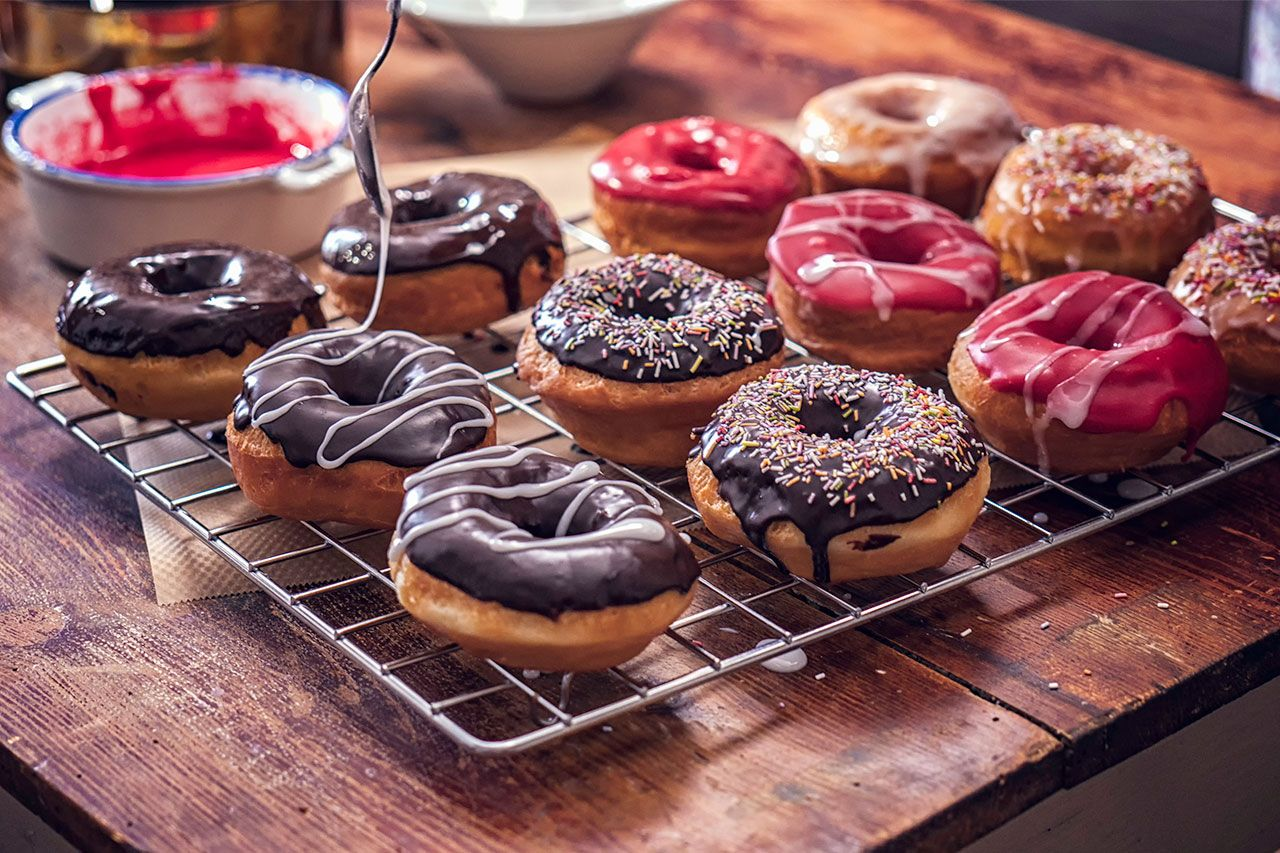 How to make homemade fluffy donuts - different tastes