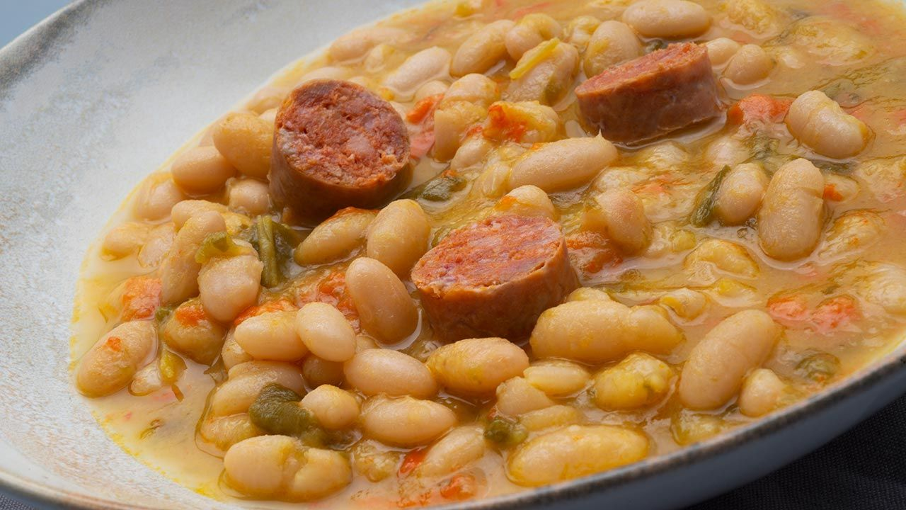Recipe for white beans with peppers and chorizo ​​- Karlos Arguiñano
