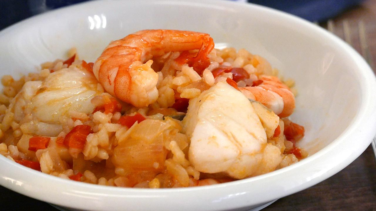 Creamy rice with sea fish and shrimp, easy and delicious!