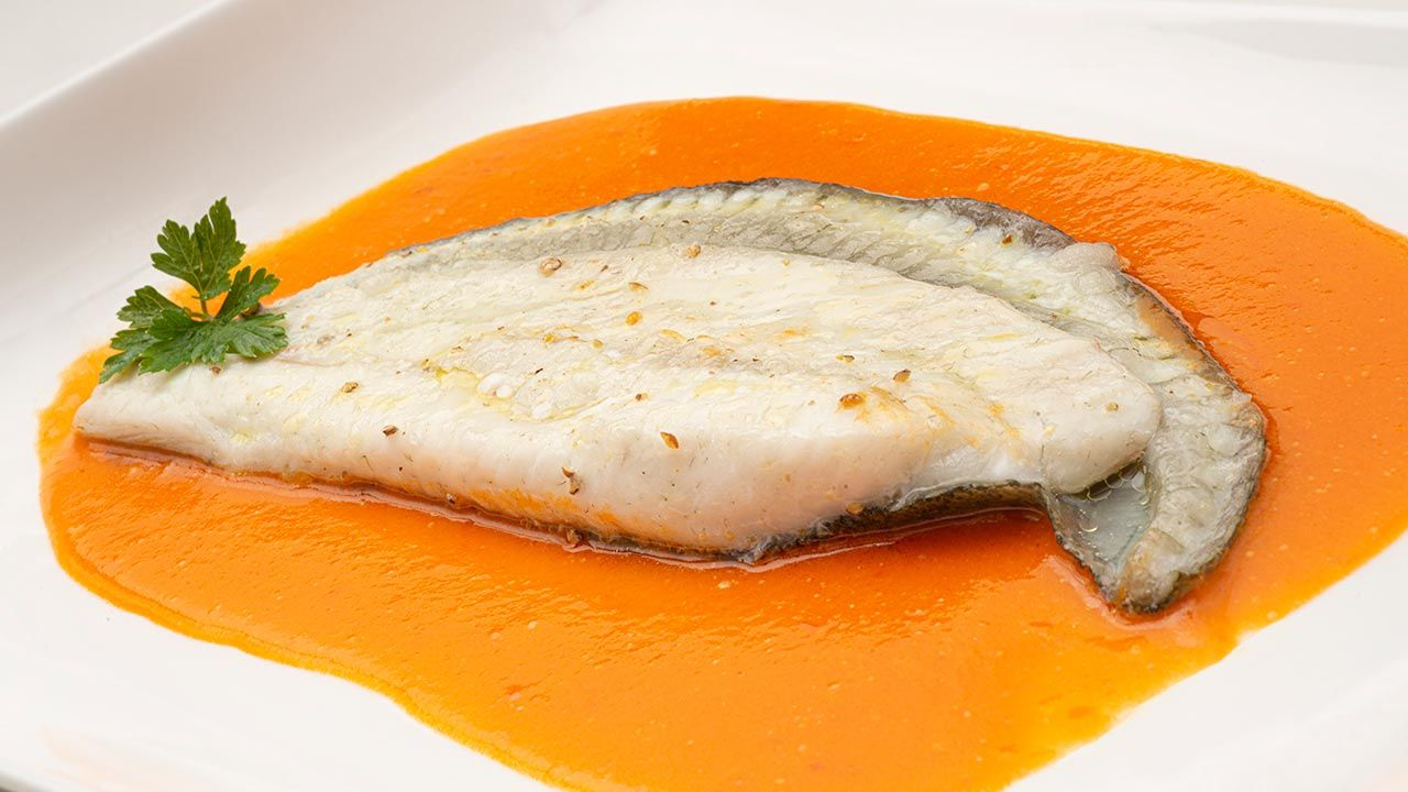 Turbot with pepper sauce - Recipe by Carlos Arginiano in Open Kitchen - Hogarmania