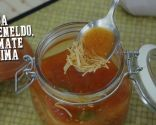 Dill, tomato and lime soup