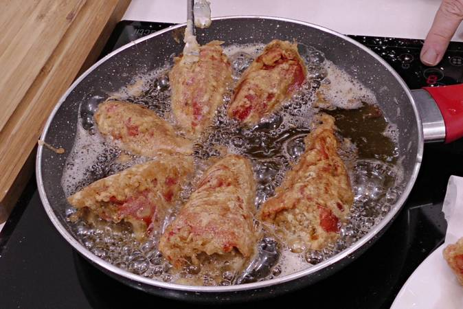 Beat and fry the peppers