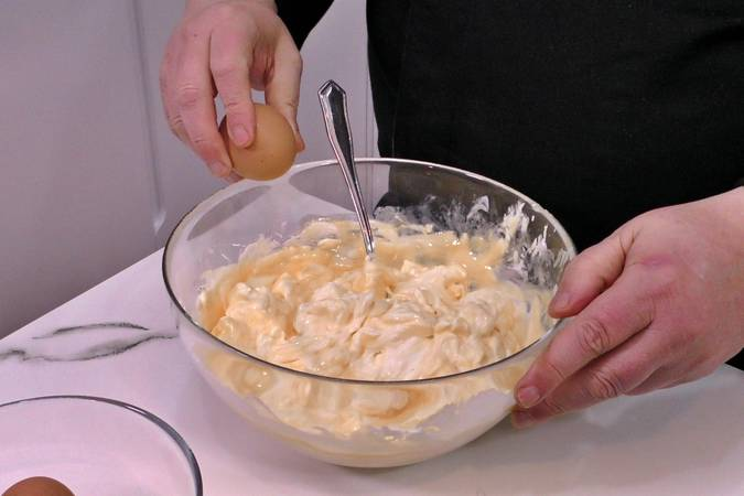 Mix the cream cheese with the eggs