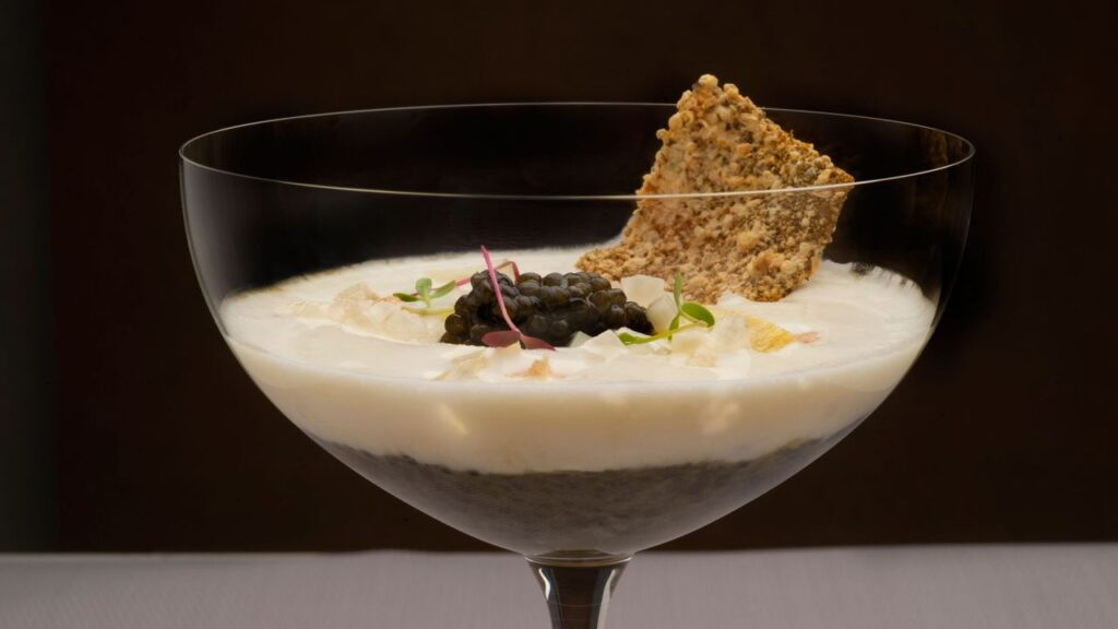 Recipe for cod jelly and caviar with asparagus pickle with salt from Anyana and her cream - Martín Berasategui