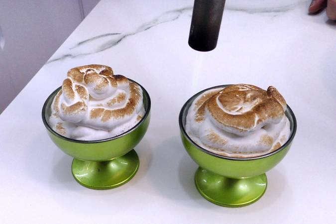 Step 5 of meringue souffle and confectionery cream