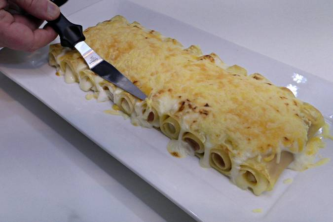 Step 6 of lasagna with ham and gratin cheese