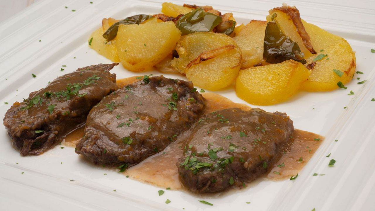 Recipe for veal cheeks with bad potatoes - Carlos Arginiano