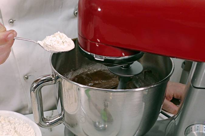 Displacement of flour and yeast