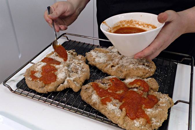 Step 3 of How to make the best Neapolitan Milanese