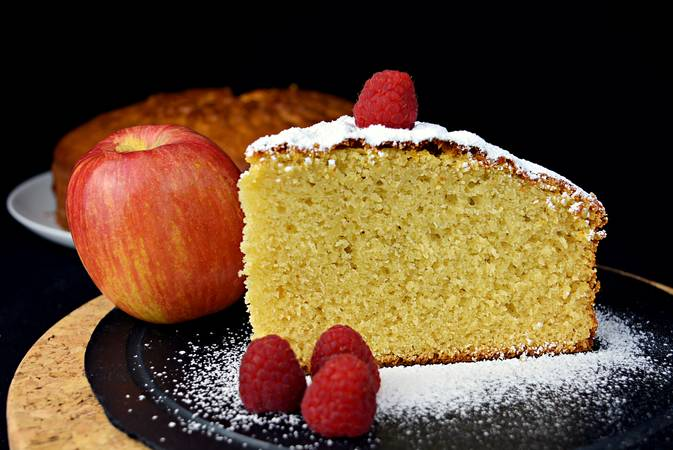 Step 3 of Recipes for making sponge cakes with fruit