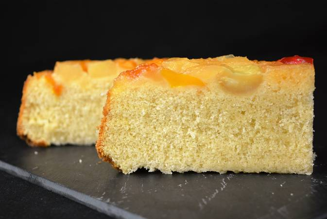 Step 5 of Recipes for making sponge cakes with fruit
