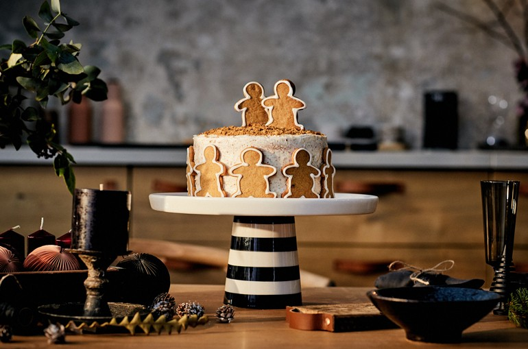 Gingerbread Cake for Christmas - The Love of Cooking NEFF
