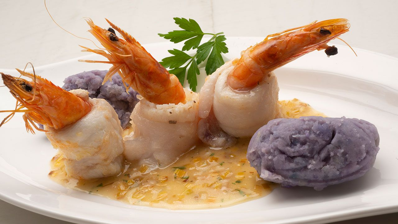 Cockroach and shrimp with blue mashed potatoes