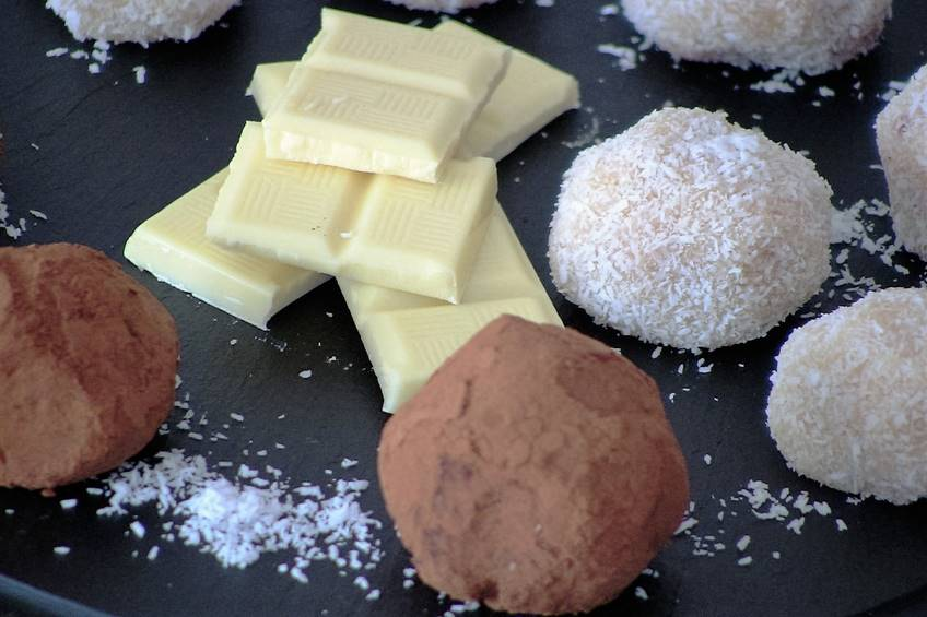 How to make truffles from white chocolate and chocolate fondant