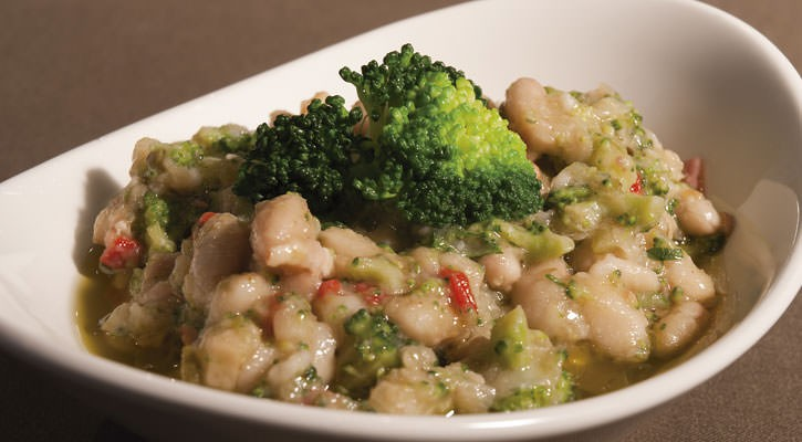 Bean salad with broccoli flowers - Gastroactitud.  Passion for food