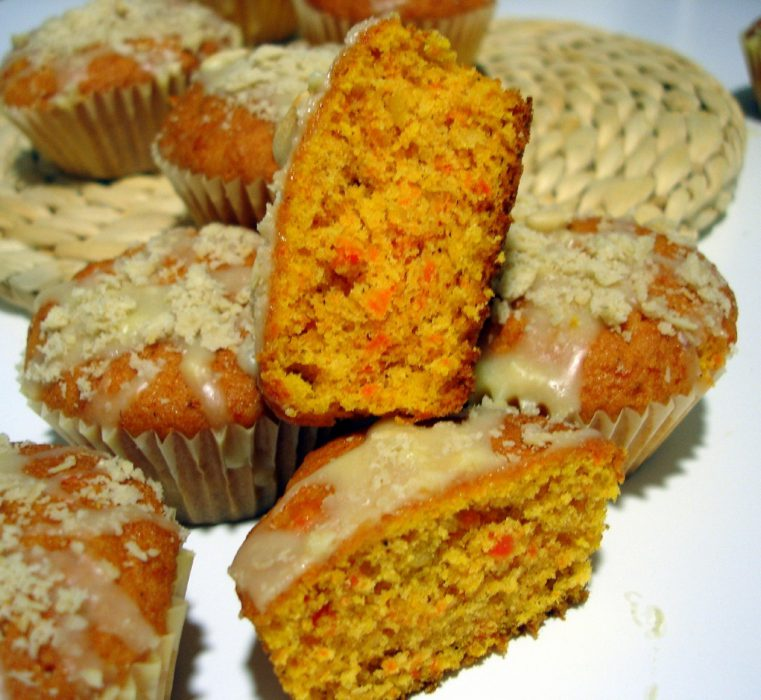 Carrot and pine nut rolls