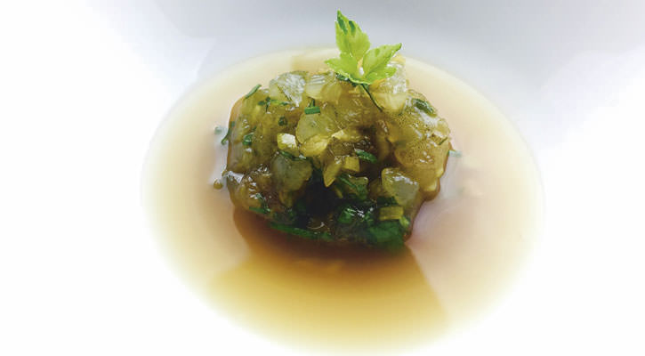 Dashi with Norwegian lobster tartare - Gastroactitud.  Passion for food