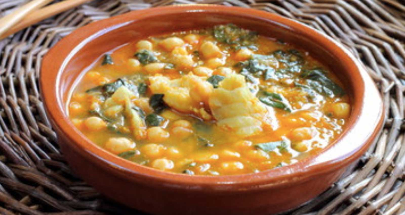 Easter stew with chickpeas, spinach and cod - Gastroactitud.  Passion for food