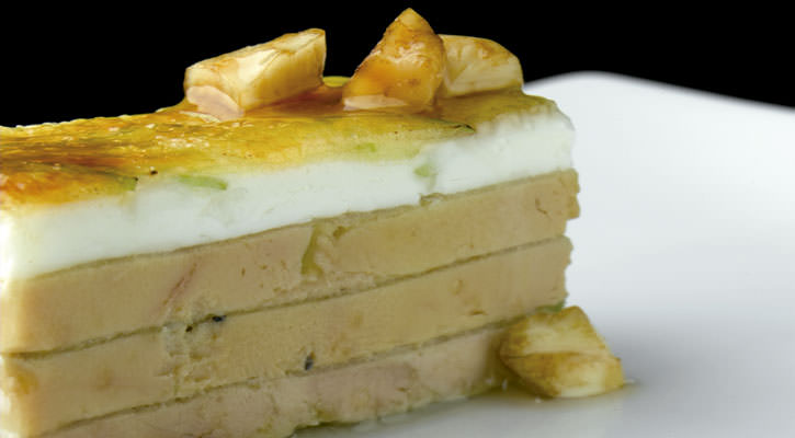 Foiegras, goat cheese and caramelized green apple - Gastroactitud.  Passion for food