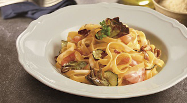 Tagliatelle with shrimp and vegetables - Gastroactitud.  Passion for food