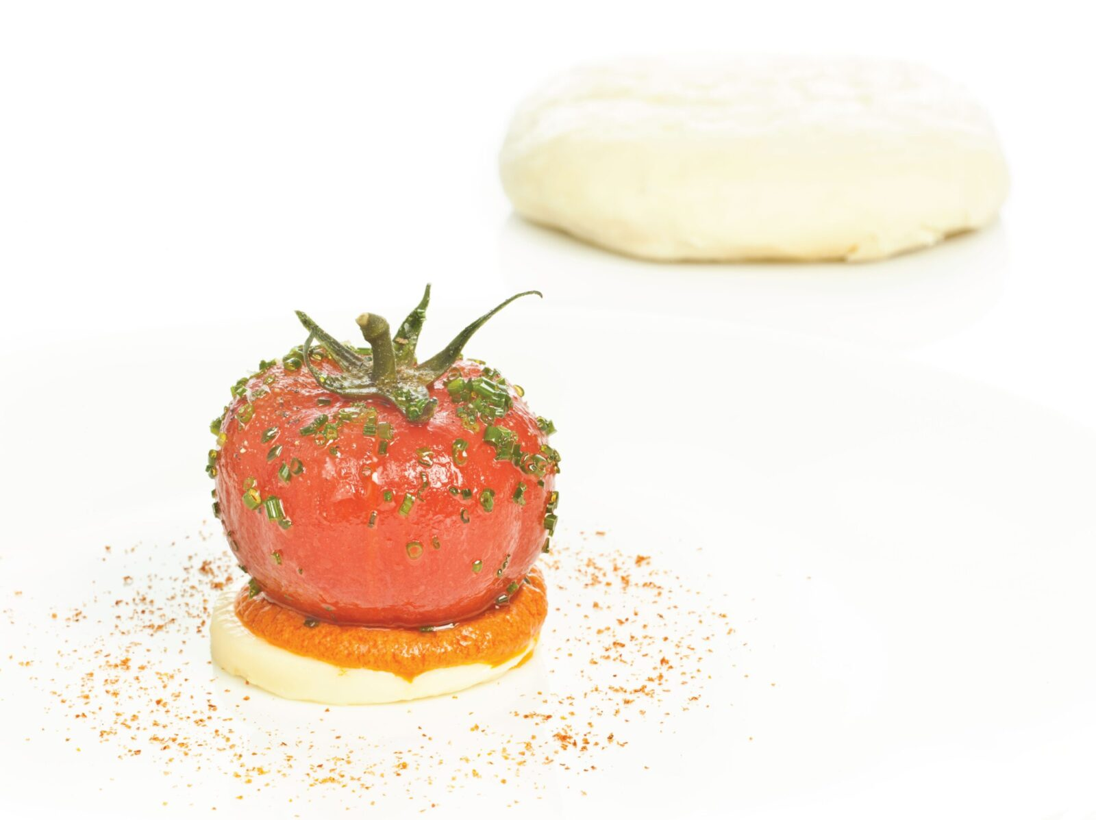 Tomatoes in oriental syrup, passiego cheese waffles and romesco infusion - Gastroactitud.  Passion for food