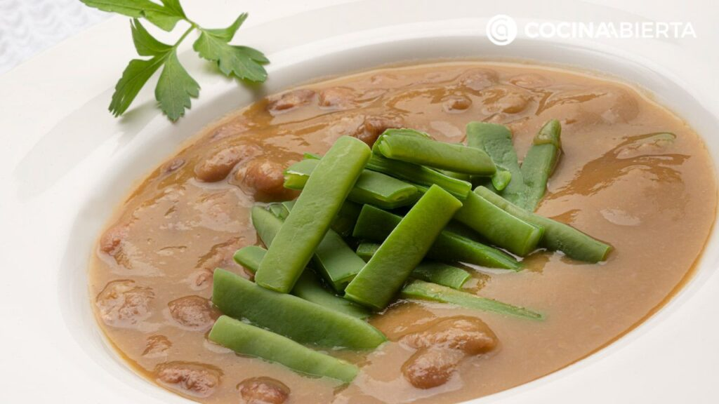 Cinnamon beans with green beans - Recipe by Carlos Arginiano in Open Kitchen - Hogarmania