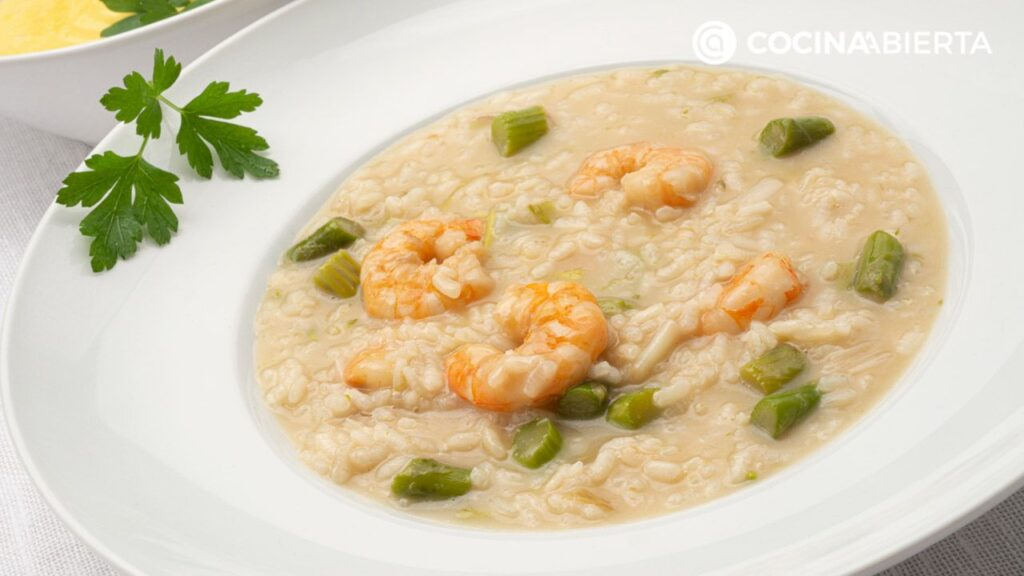 Soup rice with asparagus and shrimp - Recipe by Carlos Arginiano in Open Kitchen - Hogarmania