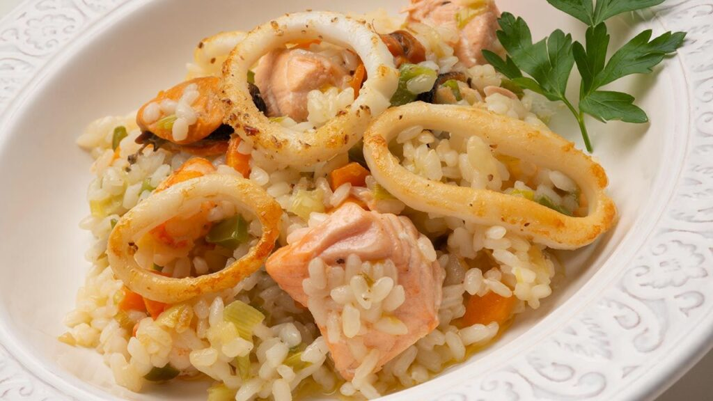 Seafood recipe with rice - Karlos Arguiñano