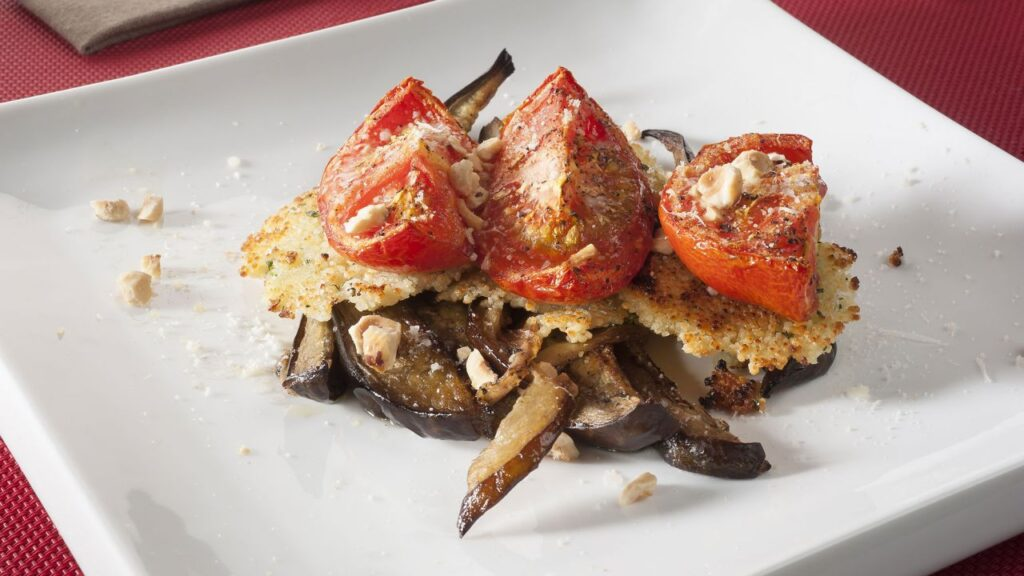 Recipe for couscous pancakes with eggplant and roasted tomato - Amaia Urdangarin