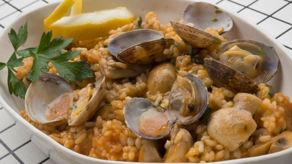 Rice recipe with mussels and vegetables - Karlos Arguiñano