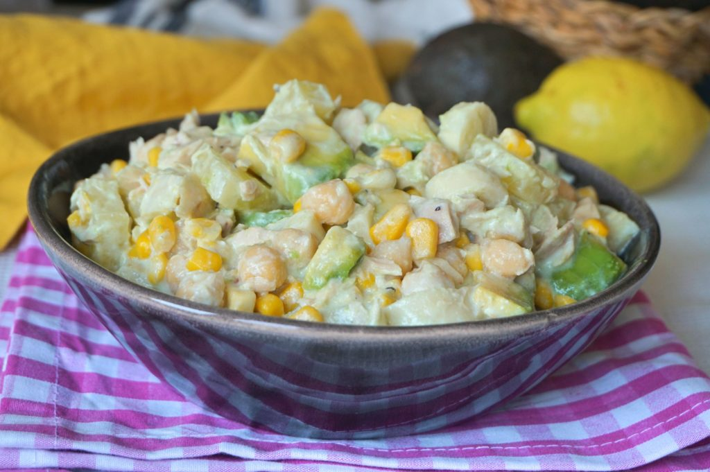 Tropical salad with chickpeas.  Light and healthy recipe - Easy recipes by Anna