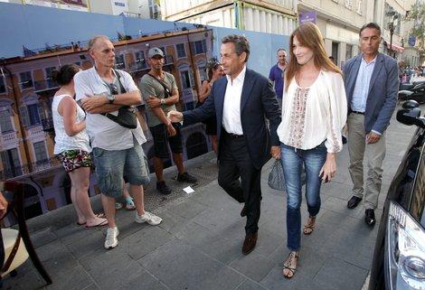 Sarkozy en route to La Petite Maison in Nice France