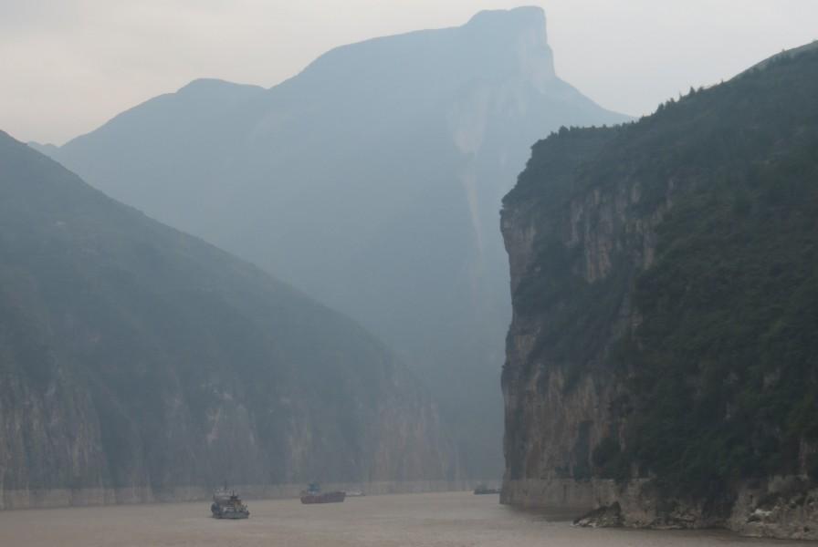 Three Gorges Dam river cruise