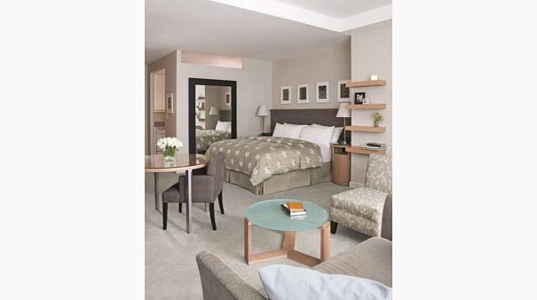 Phillips Club : bedroom of an apartment