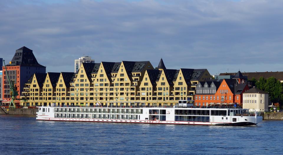 Viking Tor Longship