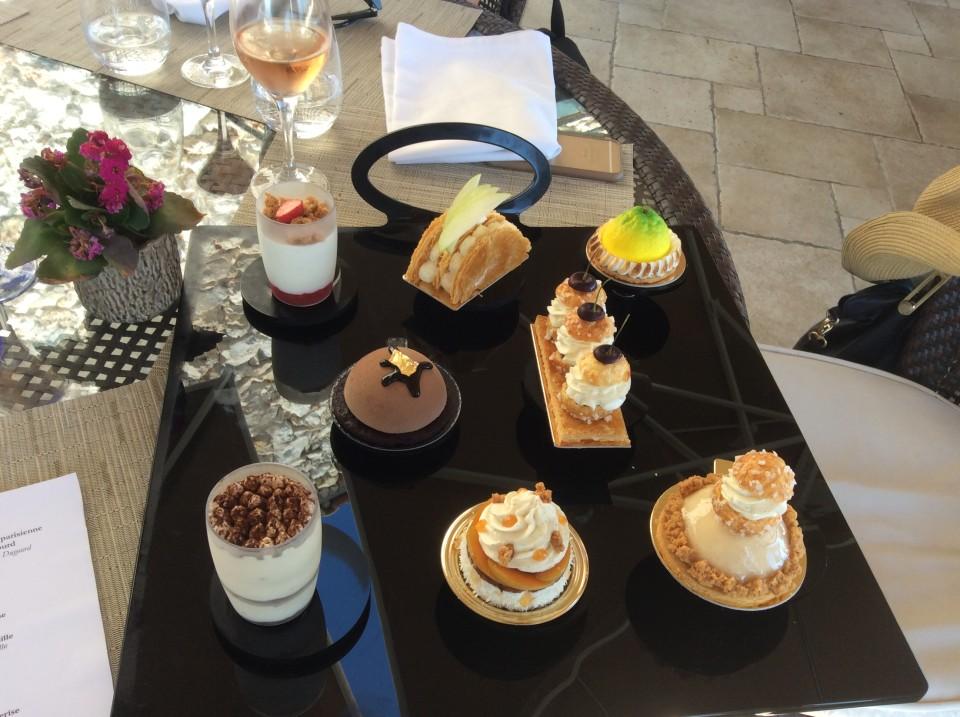 Assortiment de petits gateaux a la Parisienne (Parisian Pastry Selection)