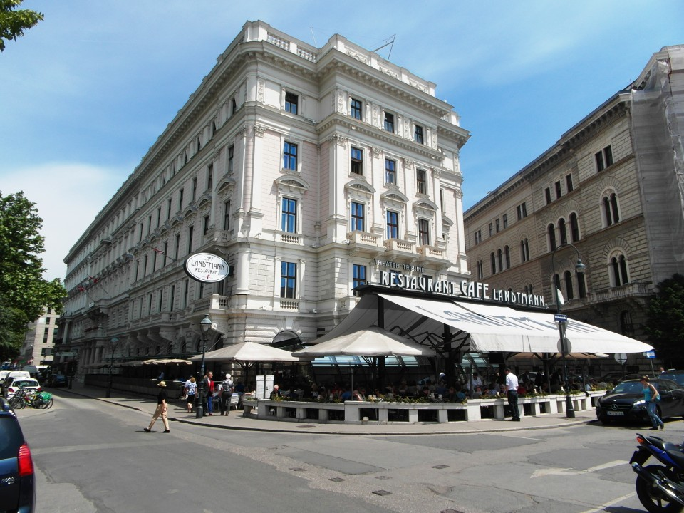 Vienna cafes and coffee houses : Cafe Landtmann
