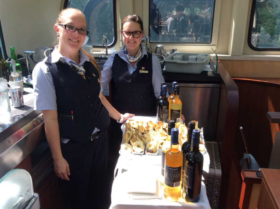 Rocky Mountaineer : non-stop food and beverage service between meals!