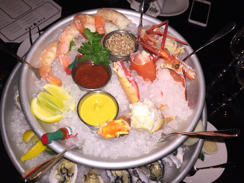 """Pennsylvania 6 DC : the """"Grand Plateau"""" from the Raw Bar"""